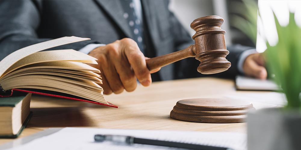 Юридическая-помощь-в-суде